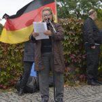 Renate Werlberger bei der NPD-Kundgebung. Foto: Benny Neudorff