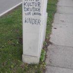 Schmierereien am Ortsausgang von München-Lochhausen. Foto: a.i.d.a.