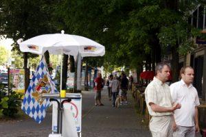 Infostand am Laimer Platz. Foto: Tim Karlson