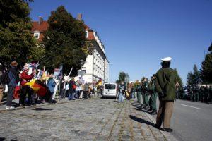 Die Auftaktkundgebung in München-Sendling. Foto: Tim Karlson