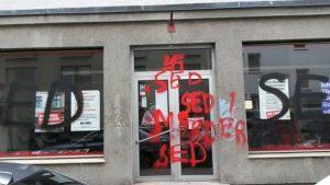 Das Parteibüro nach dem Angriff. Foto: Die LINKE.München