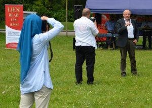 Martin Neumeyer (CSU) beim 'internationalen Sommerfest'. Foto: a.i.d.a.