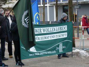 Transparent bei Kundgebung in München-Giesing. Foto: Marcus Buschmüller
