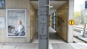 Eine der rechten Schmierereien in Lochhausen. Foto: dp photo